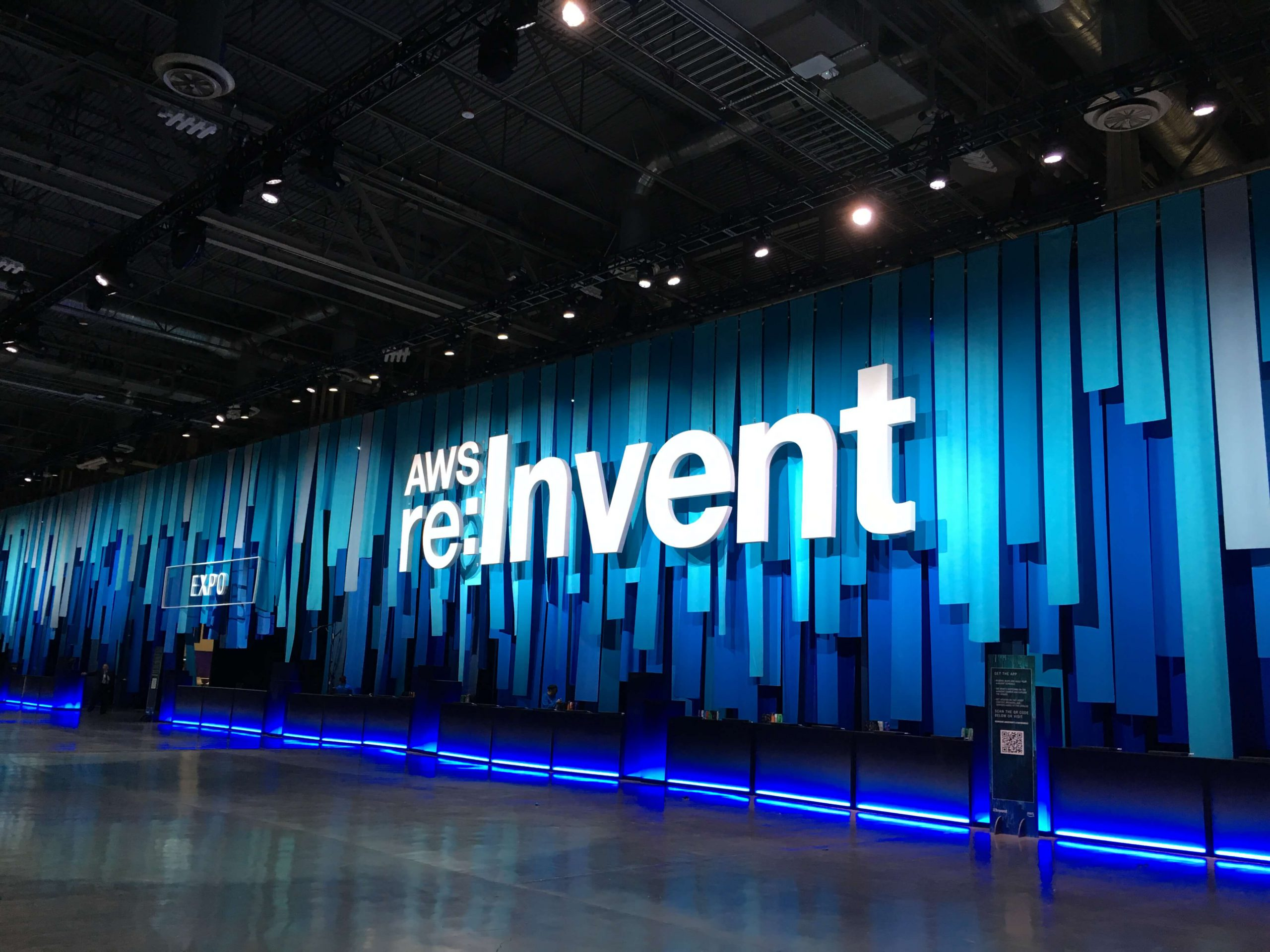 AWS re:Invent 2017の会場〜受付、SWAG、EXPO〜